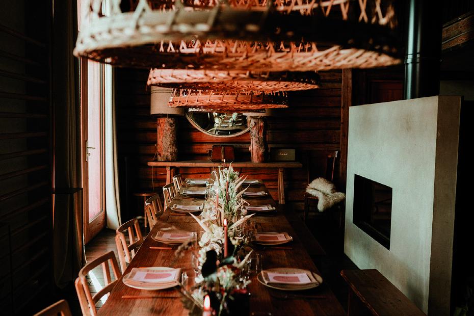 Table en bois chalet Nantailly