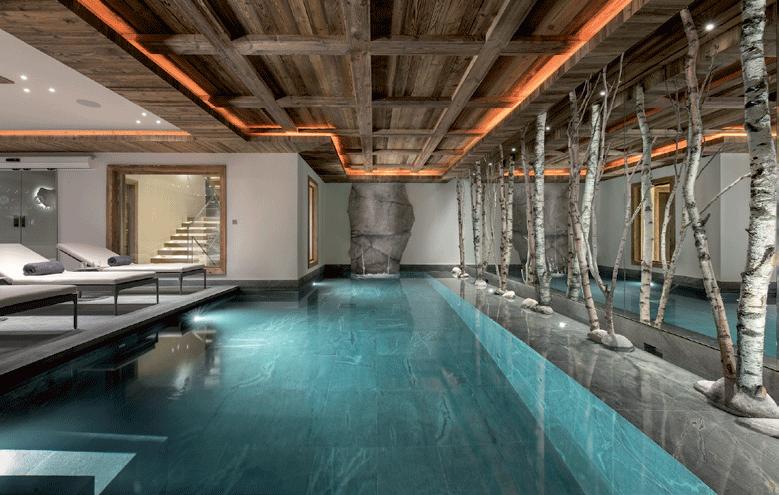 piscine-intérieure-du-chalet-manasa